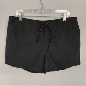 Island Escape Straight Fit Lace Front Board Shorts